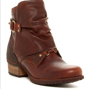 Merrell Shiloh Cuff Boots